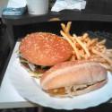 Akoby ten burger robil múúúúú... ale ňe, fičím si na tom len. Mc Dolan....parampápápáááá  im luggin' it !