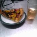 taky obycko den v praci kedy si pijeme dealkoholizovane ružové vino a a jeme nepredajne vegan pizzu .)