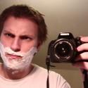 Neznášam sa holiť :( Ja chcem poriadne zarastať na celej tvári a mať bradu ako @antifunebracka ! Zatiaľ mám normálnu bradu iba pod bradou a na krku, a inde takú kinderbriadku tak to musím holiť, ale ja chcem naozajstnú bradu! :(