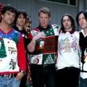 Vianočná atmoška s QOTSA  vždy som chcela nejaky taky brut debilny sveter :/