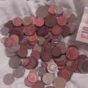 Jedneho dna sme zacali zbierat vsetky mince co sme videli na zemi,a za 5tyzdnov sa nam nazbieralo 9,93£ + cela desina...takymto tempom by sme za rok mali vyse stovky,free money everywhere. Okrem toho som uz tento rok nasiel na ulici baleny salat,jogurt,pi
