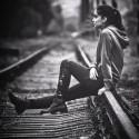 thinking........            dievča Silvia , fotene včera pri stanici Filialka