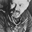 Augustín Malár,jeden z dvoch slovenských generálov vyznamenaných rytierskym krížom,neskôr Nemcami zatknutý a popravený za učasť na príprave SNP