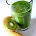 mnaam zatial najlepsi smoothie :) banany, kiwi, baby spenat