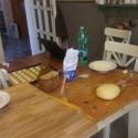 Dnes od rána makačka v kuchyni, príprava veľkej objednávky :) 160 pagáčov, 50 hubových taštičiek a 60 bryndzových tyčiniek :)