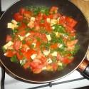 večera! kto by povedal, že niečo aj takn   jednoduche ako kúsiček tofu, 2 rajčiny a patržlenová vňatka môžu byť tak dobré! :)
