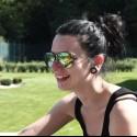 Hrozne sa mi páči táto fotka :) Keď si prizoomujete do jej okuliarov a uvidíte na čo sa pozerá.. :D