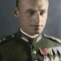 Witold Pilecki-polský dôstojník a člen odboja ktorý sa dobrovolne dal poslať do Osvienčimu aby zistil čo sa tam deje,strávil tam dva a pol roka a po úteku bojoval vo Varšavskom povstaní,po vojne v roku 1948 bol popravený komunistami