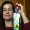 zemák sa po dvoch mesiacoch velmi nezmenil...ale odporúča slovensku borovičku s limetkou  žiaľ už dávno prázdnu:D :D..fľaša sa používa na polievanie kvetov a je v nej čistá voda :D :D...a tak vás milí cudzinci vítam na Slovensku..je to krásny štát plný pe