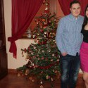 vesele vianoceee.. skoro. chcem vam ukazat stromcek, frajera a v neposlednom rade suknu :D