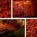 Druhá fáza pečenia medovníkov úspešne zdolaná :) Tentokrát lepené naším ríbezľovým džemom :)