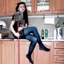 Keď vraj ženské patria do kuchyne (alebo upratovačkovská fotka pre Lawey :D)