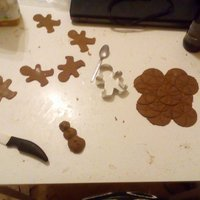 gingerbread genderless figoures and some stuff!